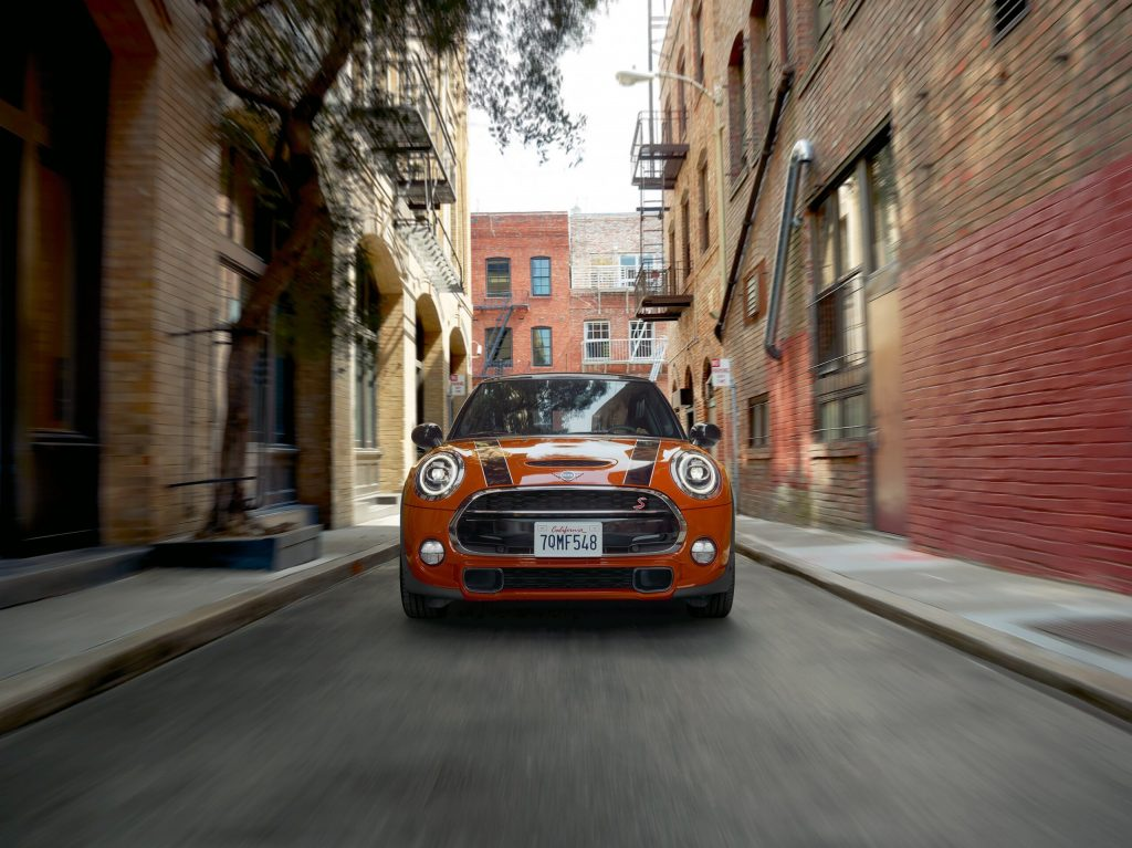 MINI Cooper S Rosewood Limited Edition: Mê hoặc sắc đỏ Indian Summer