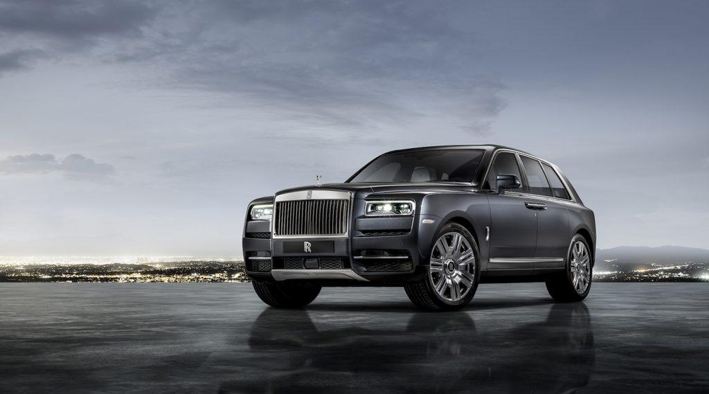 Chiêm ngưỡng phiên bản Rolls-Royce Cullinan tối tân và hầm hố như xe tải quái thú