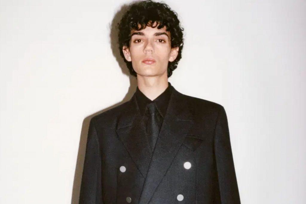 Bottega Veneta phá vỡ định kiến xưa cũ của thời trang nam giới bằng Wardrobe 01