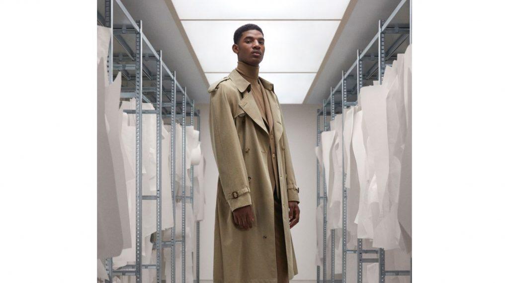 Trench-coat: Chiếc áo khoác đi qua lịch sử của Burberry