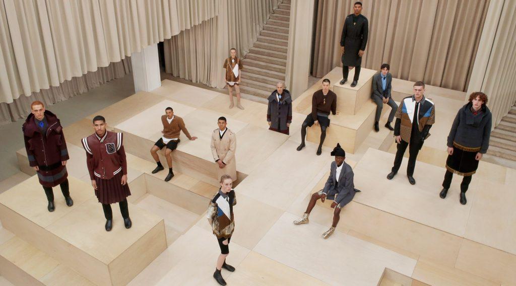 """BST thời trang nam Burberry Thu Đông 2021: Cuộc """"tẩu thoát"""" mộng mơ"""