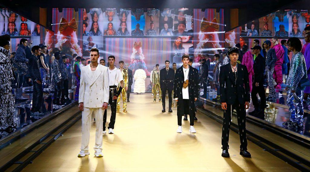 Dolce & Gabbana Thu Đông 2021-22: #DGTogether cùng thế hệ Gen Z muôn màu