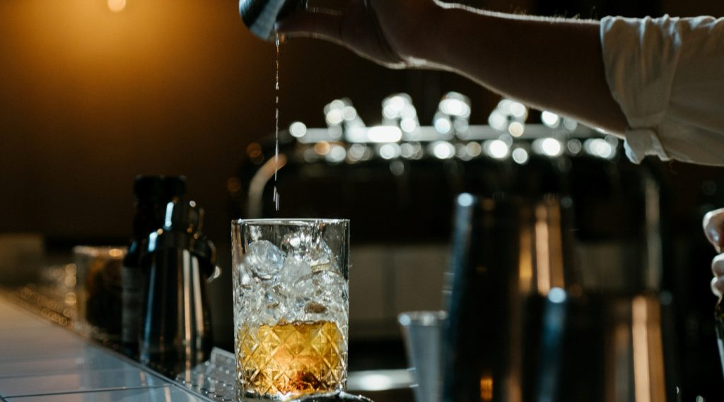 Cocktail tại nhà: 10 loại cổ điển chỉ với 3 thành phần nguyên liệu