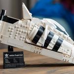 Say mê tại nhà với mô hình LEGO adidas Superstar!