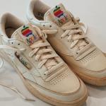 Thích thú với phiên bản chế tác của dòng giày thể thao Apple thập niên 1990